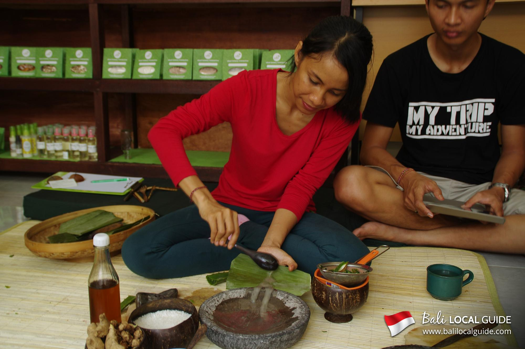 Walk and Make Organic Beauty Products (Center of Bali