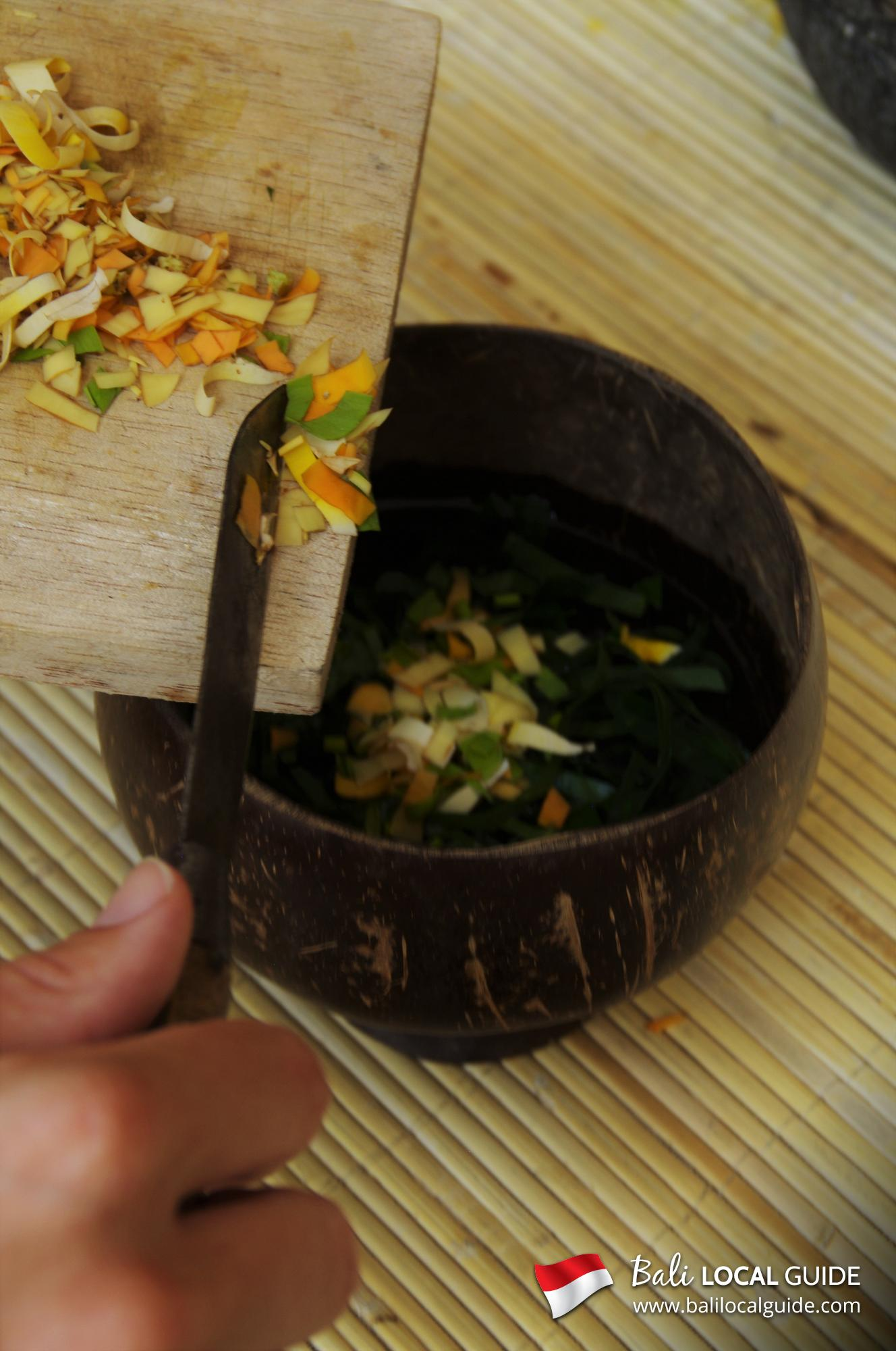 Walk and Make Organic Beauty Products (Center of Bali) | Bali Local